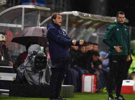 L'Italia si scatena dopo i miracoli di Sirigu. Mancini, la strada per arrivare a Pozzo è ancora lunga