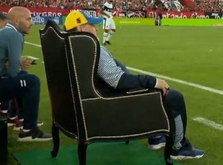 Maradona: 'Io non tradisco, non sono inglese'. Caduta da Paperissima VIDEO