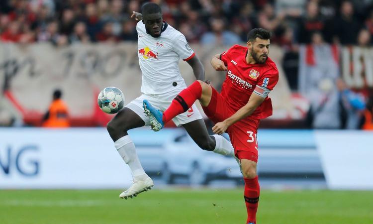 Milan, Upamecano sta per saltare: il Bayern Monaco ha già pronta la mossa, Guardiola osserva