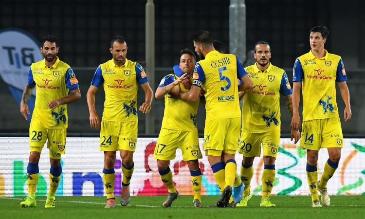 Playoff Serie B ,la semifinale di andata premia il Chievo: 2-0 allo Spezia, Ricci sbaglia un rigore. Martedì il ritorno