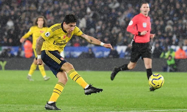 Juve, non solo il PSG: altra rivale per Bellerin