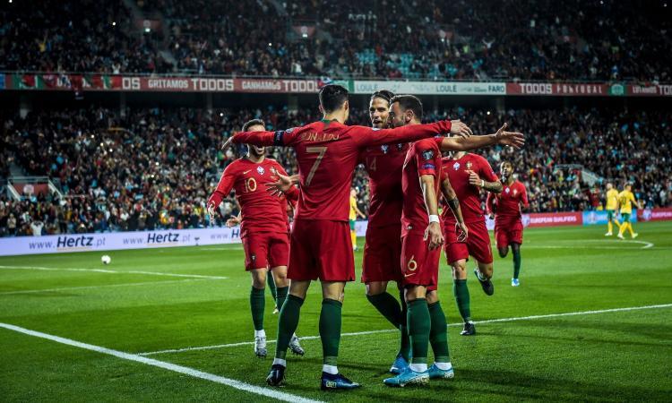 Portogallo, 6-0 alla Lituania con tris dello scatenato Ronaldo: ma Euro 2020 rimane in bilico