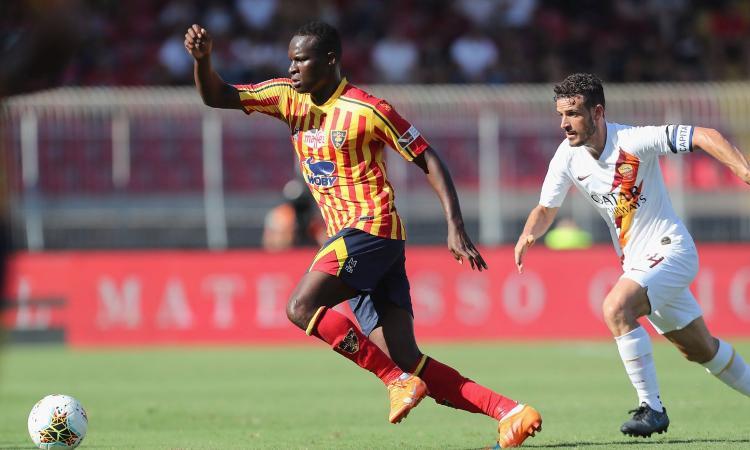 Lecce, si ferma un centrocampista. Out Farias, Babacar e Falco...