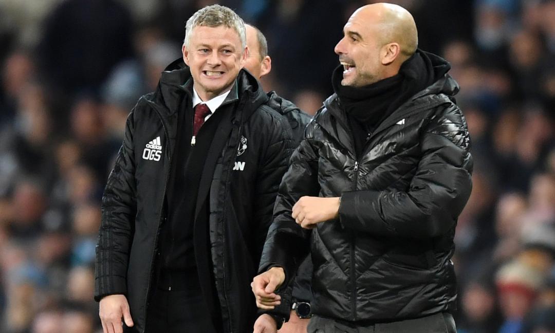 United semplice, City snervante: Manchester è rossa