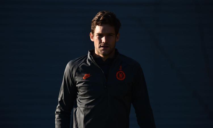 Inter, il preferito per la corsia mancina resta Marcos Alonso