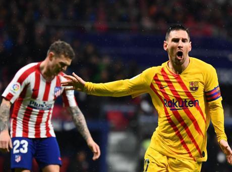 Messi batte l'Atletico e riporta il Barcellona in vetta. Non è da Pallone d'Oro, ma è due spanne sopra Ronaldo
