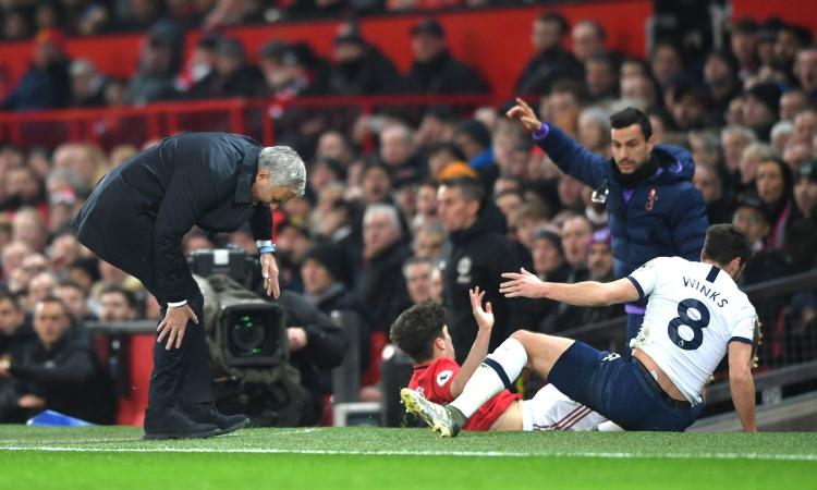 Man United-Tottenham: contrasto Winks-James, si fa male... Mourinho! FOTO