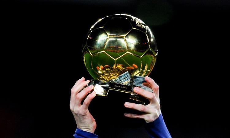 Messi vola verso il sesto Pallone d'Oro. Spunta un leak della classifica finale, Ronaldo fuori dal podio? FOTO