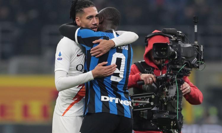 Inter, c'è anche Smalling per la difesa: l'offerta della Roma e la richiesta dello United