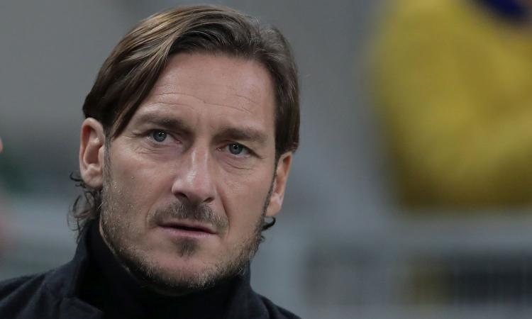 Totti: 'Mourinho? La notizia è che abbia scelto la Roma. Sarà l'anno di Pellegrini, è un degno capitano. Zaniolo? Ciò che fa fuori dal campo...'