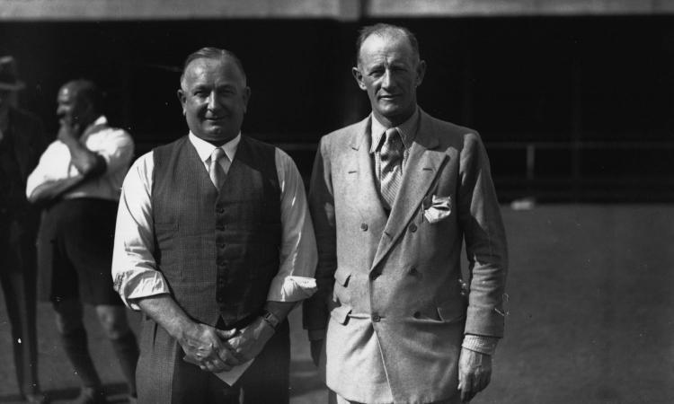 Chapman, l'uomo del futuro che reinventò il calcio: il sistema, i campi illuminati, i numeri sulle maglie e...