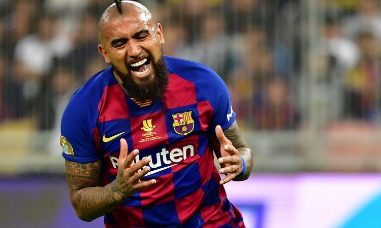 Inter, ore decisive per Vidal: non si allena con il Barcellona, pronto a prendere un volo per Milano