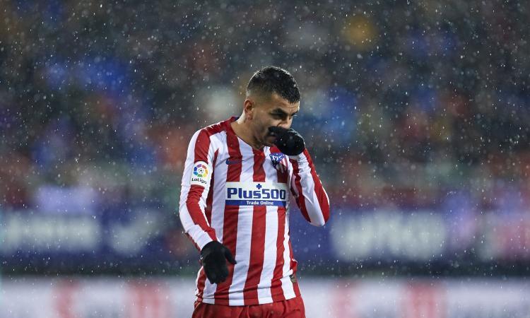 Correa è il rimpianto di Boban: il Milan non taglia i contatti con l'argentino