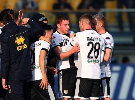 E' EuroParma: 2-0 all'Udinese, agganciate Milan e Cagliari. La Juve si sfrega le mani per Kulusevski