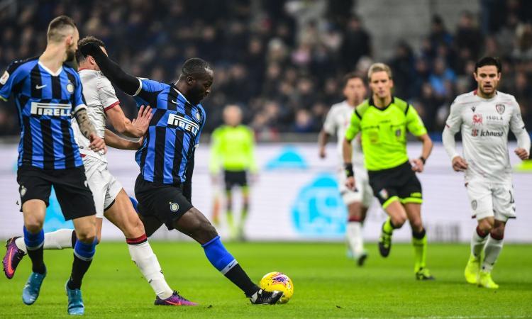Inter-Cagliari, rivivi la MOVIOLA: annullato un gol a Lukaku. Mani Lykogiannis, per il Var non è rigore