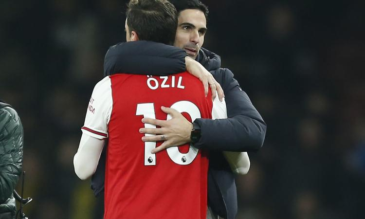 Arsenal, Ozil e il futuro: 'Felice di continuare qui un altro anno'