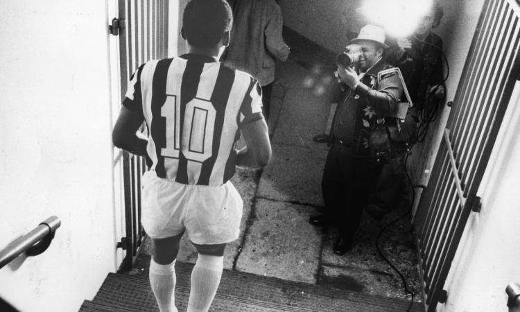Facchetti racconta la 'Tribù del calcio': da Ghiggia a Pelè, è una grande meraviglia