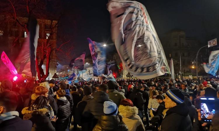 Laziomania: i tifosi all'Olimpico per la Cremonese, quelli che salvano il calcio