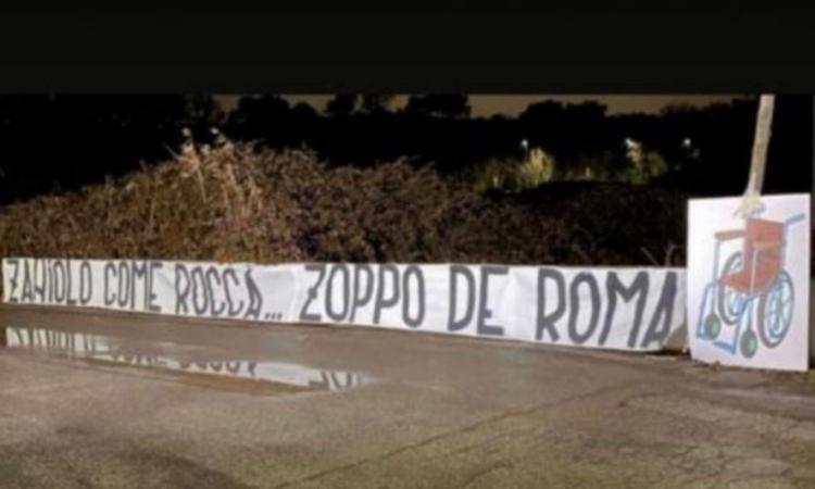 'Zaniolo come Rocca, zoppo de Roma': lo striscione choc degli ultras della Lazio a Trigoria