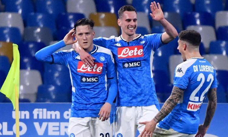 La Juve cade a Napoli, 2-1 firmato Zielinski, Insigne e Ronaldo: l'Inter guadagna un punto, è a -3