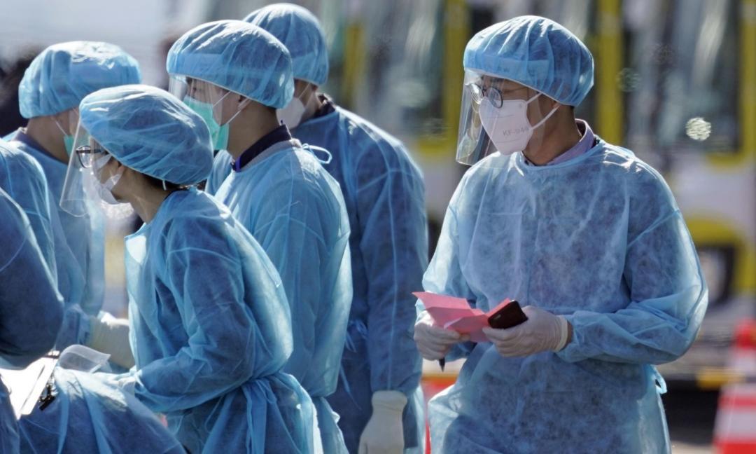 Boom del coronavirus in Italia, ma quali porte aperte?