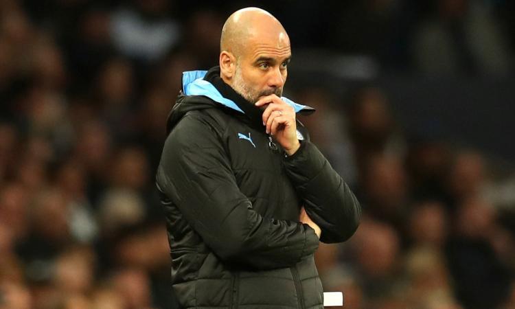 Guardiola e la dirigenza del Man City in piedi al discorso: rilancio sul contratto
