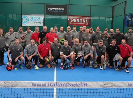 Derby all'Inter con Bonolis: Milan ko anche a padel