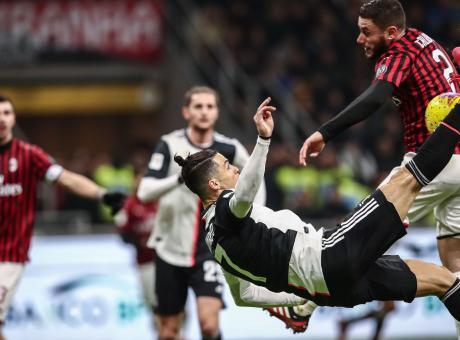 Milan-Juve, rivivi la MOVIOLA: non c'era il rigore per la Juve, dubbio quello non dato a Cuadrado. Hernandez rosso