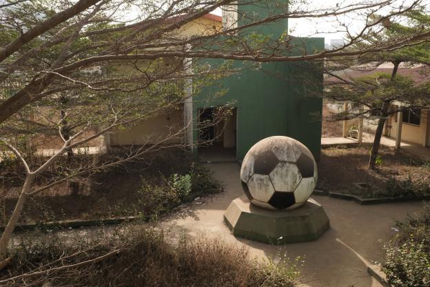 """Un """"calcio"""" alla monotonia: l'attesa è infinita"""