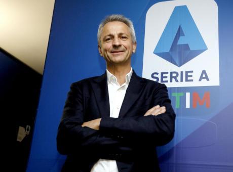 Calcio, la Serie A non chiede soldi ma leggi nuove al governo. Intanto nasce un diverbio tra De Laurentiis, Marotta e Lotito