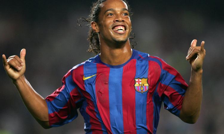 Ronaldinho, l'allegria del 'futbol' fa 40 anni... in carcere: giocate e sorrisi, mai nessuno come lui
