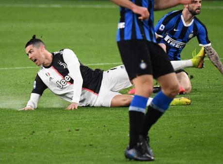 Juve Inter Rileggi La Moviola Douglas Costa E Lukaku Chiedono Un Rigore Espulso Padelli Serie A Calciomercato Com