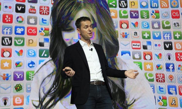 Da Whatsapp a Google e Netflix: anche i colossi tecnologici della Silicon Valley 'malati' di coronavirus
