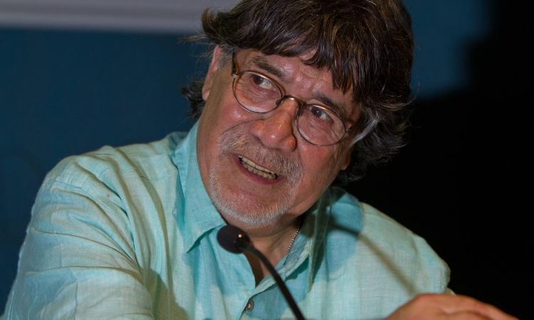 Ricordando Sepulveda, il poeta rivoluzionario che amava Messi e non sopportava Ronaldo