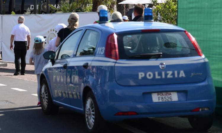 Siena, ragazza denuncia stupro di gruppo: 3 arresti e un indagato. C'è un calciatore di Serie A: è il genoano Portanova