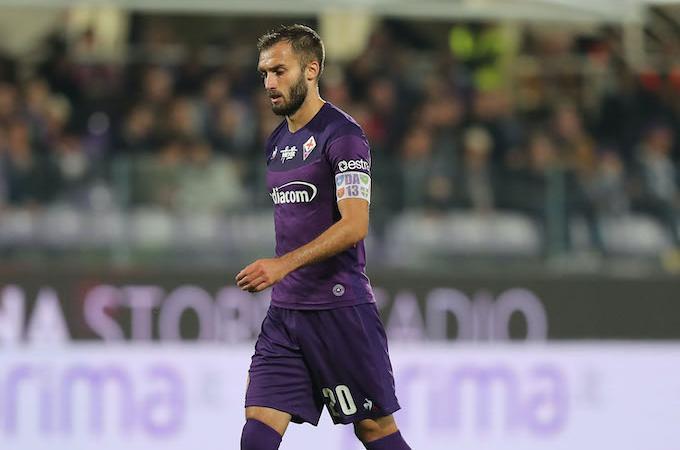 Fiorentina, Pezzella capitano in bilico: rinnovo bloccato, il Milan ci pensa