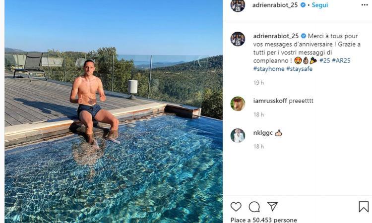 Juve, Rabiot dalla villa in Costa Azzurra: 'State a casa, giorni migliori stanno arrivando'