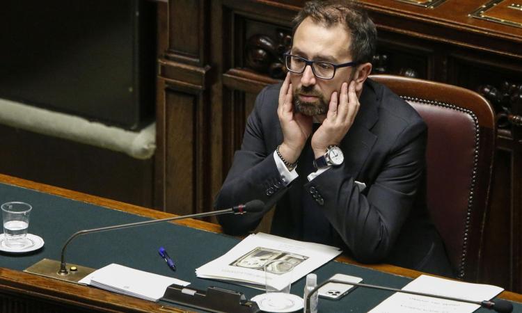 Respinta la mozione di sfiducia a Bonafede. Renzi non va fino in fondo: 'Ricevuti segnali da Conte'