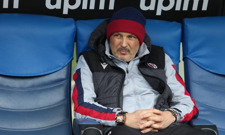 Bologna, un sospetto positivo al coronavirus nello staff. Di Vaio: 'Non è Mihajlovic. Se confermato, squadra in ritiro'