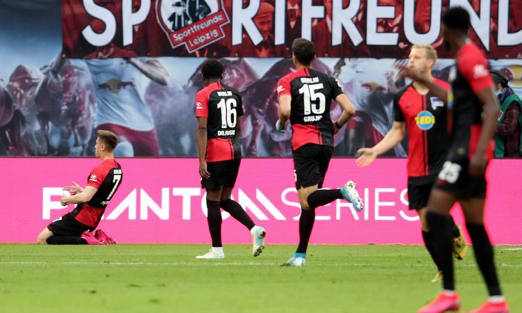 Bundesliga: segnano Piatek e André Silva, ok Hertha e Eintracht. Schalke sempre più in crisi