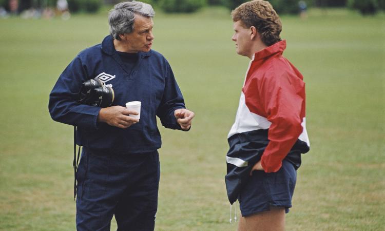 'Bobby Robson: more than a manager', soprattutto per Gascoigne: lacrime e gioia, la storia di un rapporto speciale