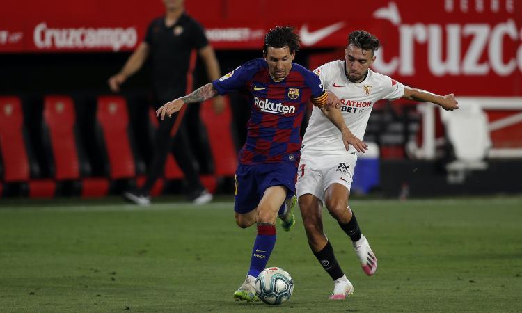 Il Barcellona pareggia a Siviglia, ora rischia l'aggancio del Real. Le avversarie di Napoli e Roma non entusiasmano