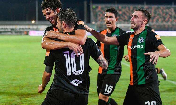 Serie B:  doppio Aramu ribalta la Reggiana, il Venezia vola al 2° posto e sogna la A diretta