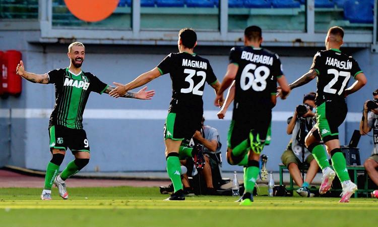La Lazio non c'è più: terzo ko di fila, addio scudetto. Caputo-gol al 92', Sassuolo a -3 dal Milan