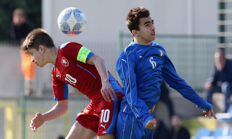 Il paragone con Morata, lo sponsor Cassano: chi è Hlozek, il baby d'oro seguito dal Milan