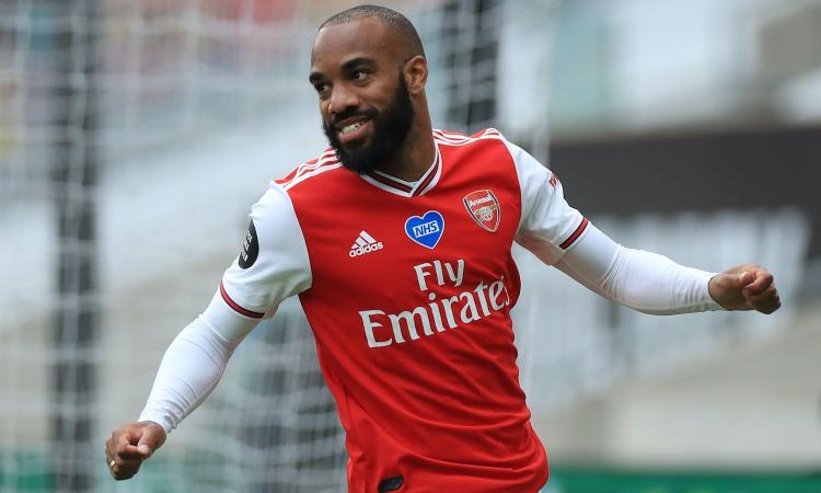 Tra Jimenez e Milik si fa spazio Lacazette: contatti serrati Juve-Arsenal