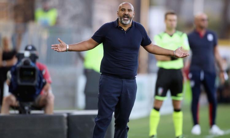 Lecce, Liverani: 'Fallite occasioni clamorose, ma la squadra è viva e la salvezza non è irraggiungibile'