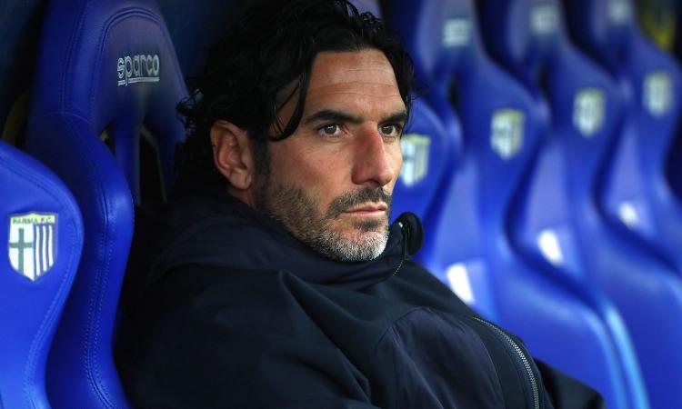 Parma, Lucarelli è una furia contro l'arbitro: 'Rasentato il ridicolo. Non siamo gli scemi del villaggio, ora basta!' VIDEO