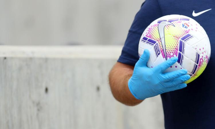 Coronavirus, il bollettino: 14.391 nuovi casi, calano indice di positività e decessi. Il dato sui vaccini