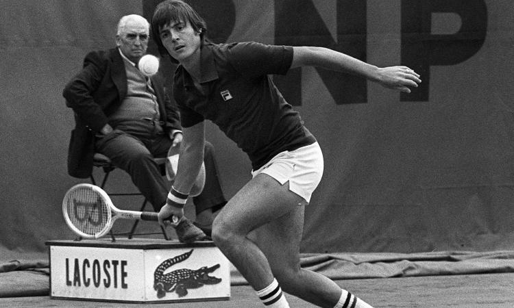 Rockstar prestata al tennis, il 'mio' Panatta compie 70 anni. Quella finale persa per fare l'alba con Tognazzi...